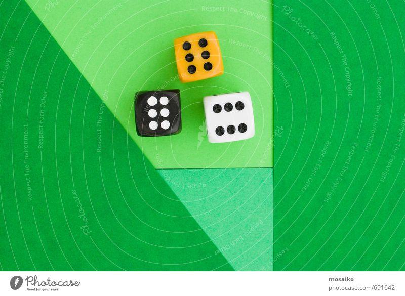 lucky cubes on greenery paper background grün Freude Stil Spielen Glück Lifestyle Zufriedenheit Freizeit & Hobby Erfolg 3 Hoffnung Geld Ziffern & Zahlen Würfel