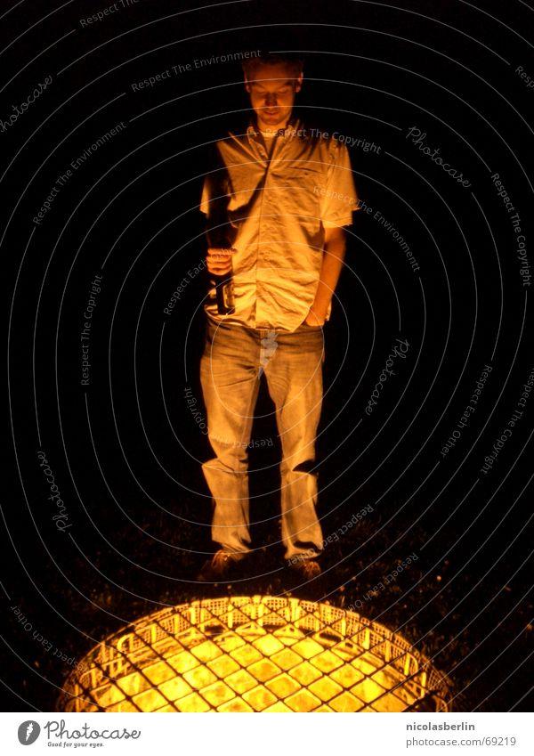 Gold..rausch Licht Physik Mann dunkel gelb Sehnsucht Trauer Gebet Gedanke Denken Außenaufnahme Langzeitbelichtung gold Wärme Mensch Schatten