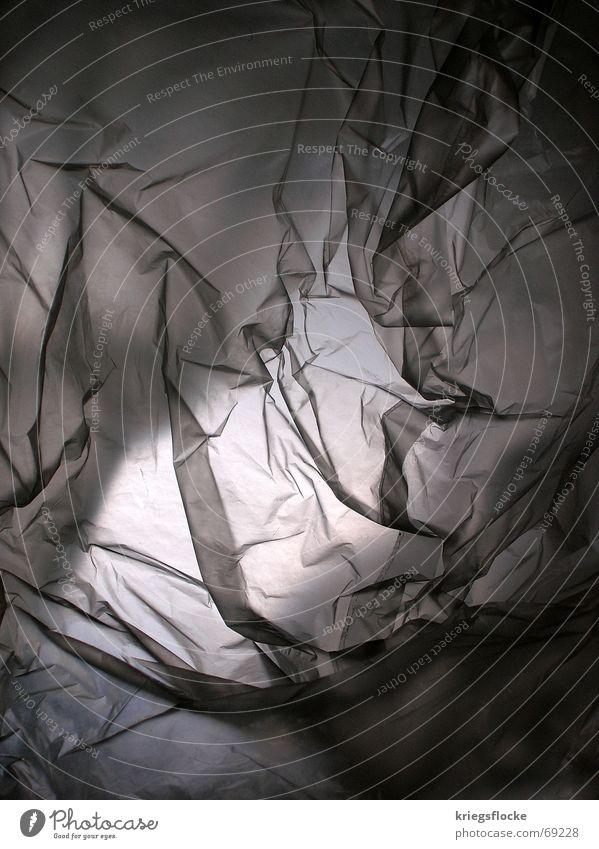 licht in tüte grau Lampe hell Falte zart Plastiktüte Folie Rauschmittel undefinierbar