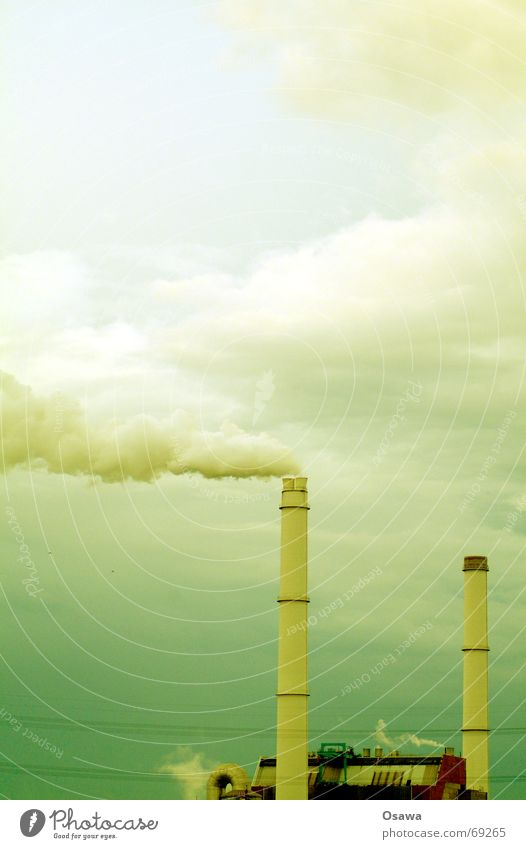 grün Kraftwerk grün Himmel grün Wolken Rauch Schornstein Wasserdampf Stromkraftwerke Smog