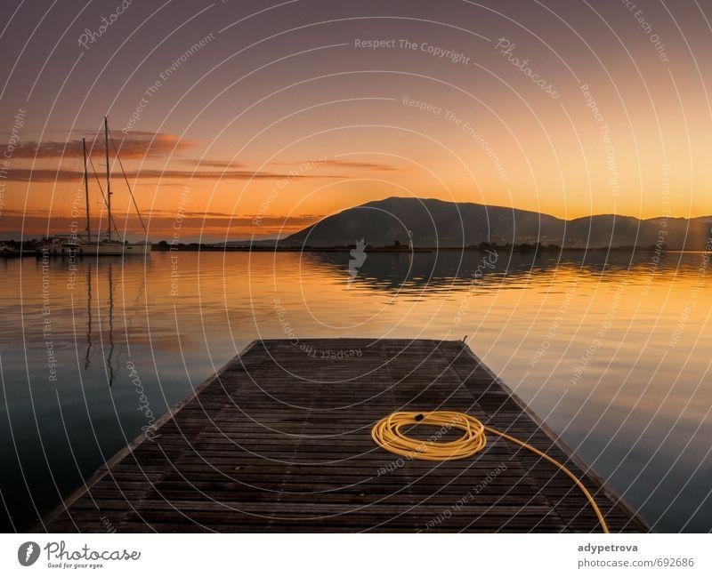 frühmorgendliche Boote Ferien & Urlaub & Reisen Tourismus Ausflug Abenteuer Sightseeing Sommer Sommerurlaub Meer Sport Segeln Umwelt Natur Wasser Himmel Küste