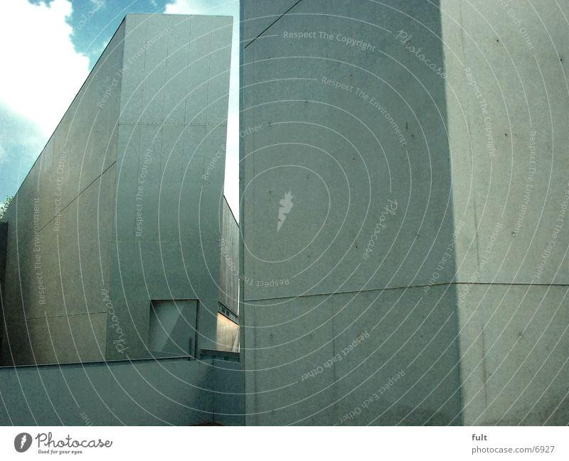 Nussbaum-Haus von Libeskind Stil Architektur Museum Echter Walnussbaum Landkreis Osnabrück