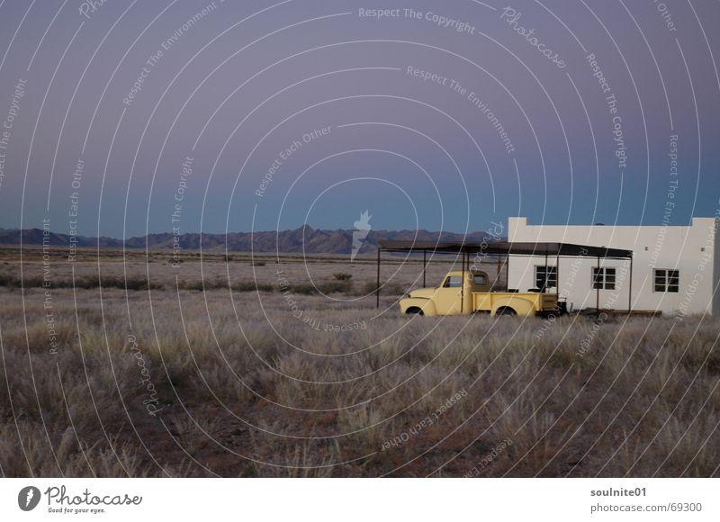Traumland ruhig Einsamkeit Ferne Freiheit PKW Stimmung Afrika Wüste Oldtimer Namibia zeitlos