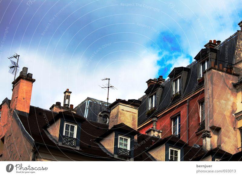 Rooftops Stadt Hauptstadt Stadtzentrum Haus Gebäude Architektur Fenster Dach Dachrinne Schornstein Antenne außergewöhnlich verrückt blau mehrfarbig rot Erker