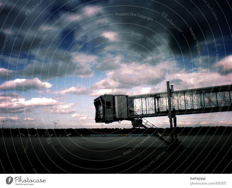stairway to heaven Himmel Arbeit & Erwerbstätigkeit Landschaft warten Flugzeug Beton Finger Treppe Flughafen Stahl Abheben Passagier Landebahn Ankunft Flugplatz Rollfeld