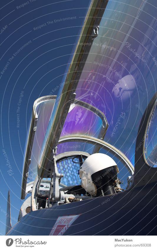 Jetfighterwindow Fenster Luft Flugzeug Krieg Fensterscheibe Helm Pilot Düsenflugzeug Cockpit Führerhaus Luftwaffe Schleudersitz Überschallflugzeug