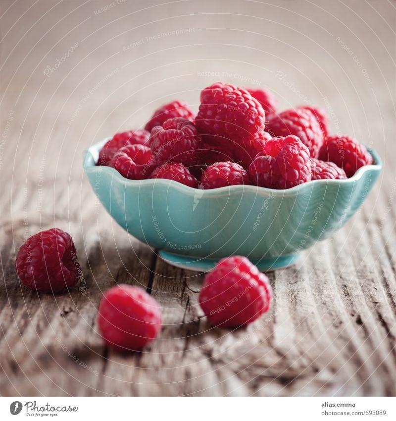 Beerchen Himbeeren Beeren rosa Frucht Gesundheit Gesunde Ernährung lecker genießen Vitamin Geschmackssinn Sommer Speise Essen Foodfotografie Lebensmittel reif