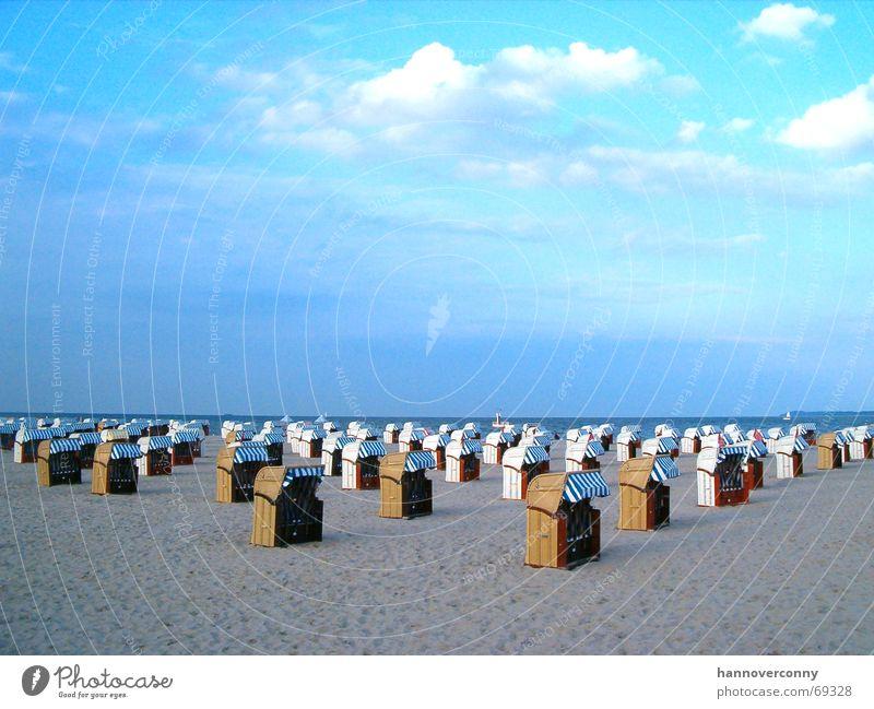 Travemünde Strand Strandkorb Meer ruhig leer Wolken Horizont Ferien & Urlaub & Reisen Erholung Dämmerung Frieden Sommer
