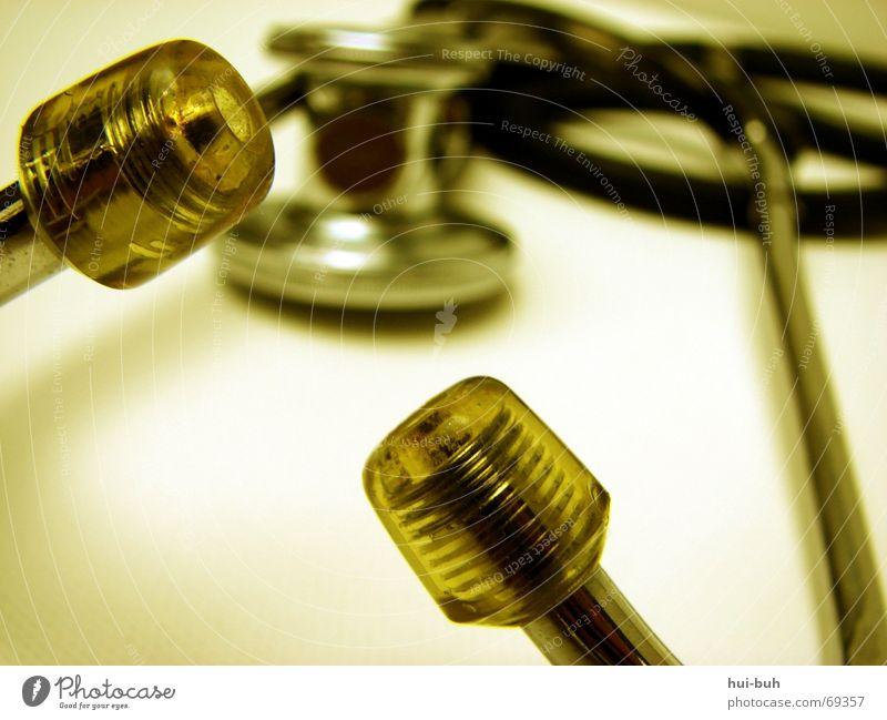 audi Helfer Arzt hören Krankenhaus Praxis Puls Eisen Schnur liegen stetoskop pazient Kabel Ohr Brust setzten Örtlichkeit