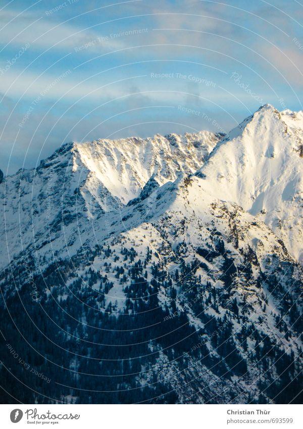 Netter Ausblick Umwelt Natur Landschaft Himmel Wolken Winter Schönes Wetter Schnee Alpen Berge u. Gebirge Gipfel Schneebedeckte Gipfel ästhetisch positiv blau
