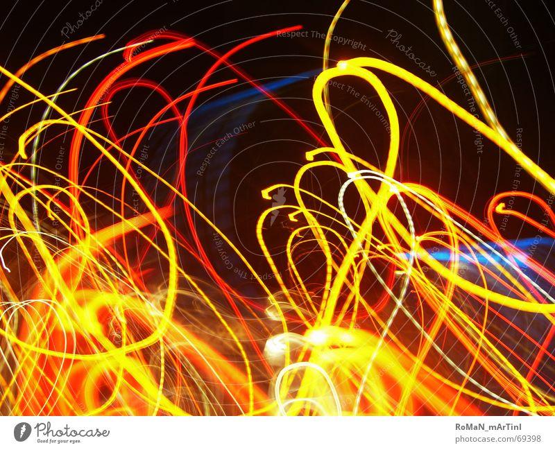Lichtspiel Nachtaufnahme rot gelb Disco lichtschlangen Lichterscheinung blau orange lichtstriche Beleuchtung