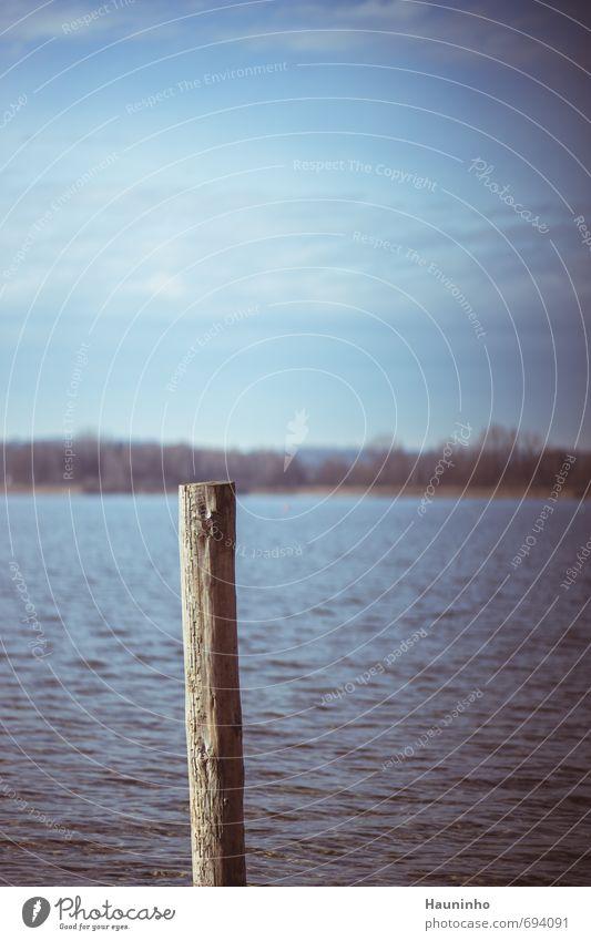 Pfahl im See Himmel Natur blau grün Wasser Einsamkeit Erholung Landschaft ruhig Wolken Ferne Umwelt Traurigkeit grau Holz See