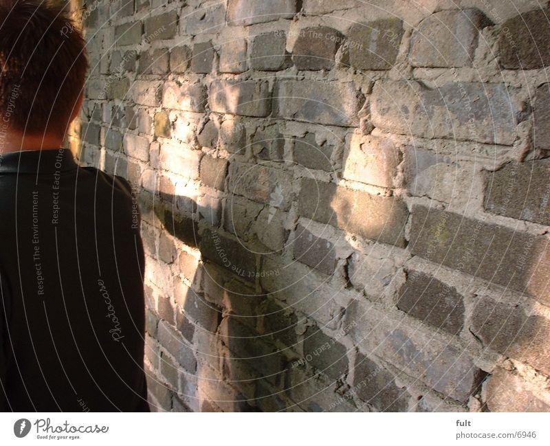 Kerl Mann Mauer Wand Schatten