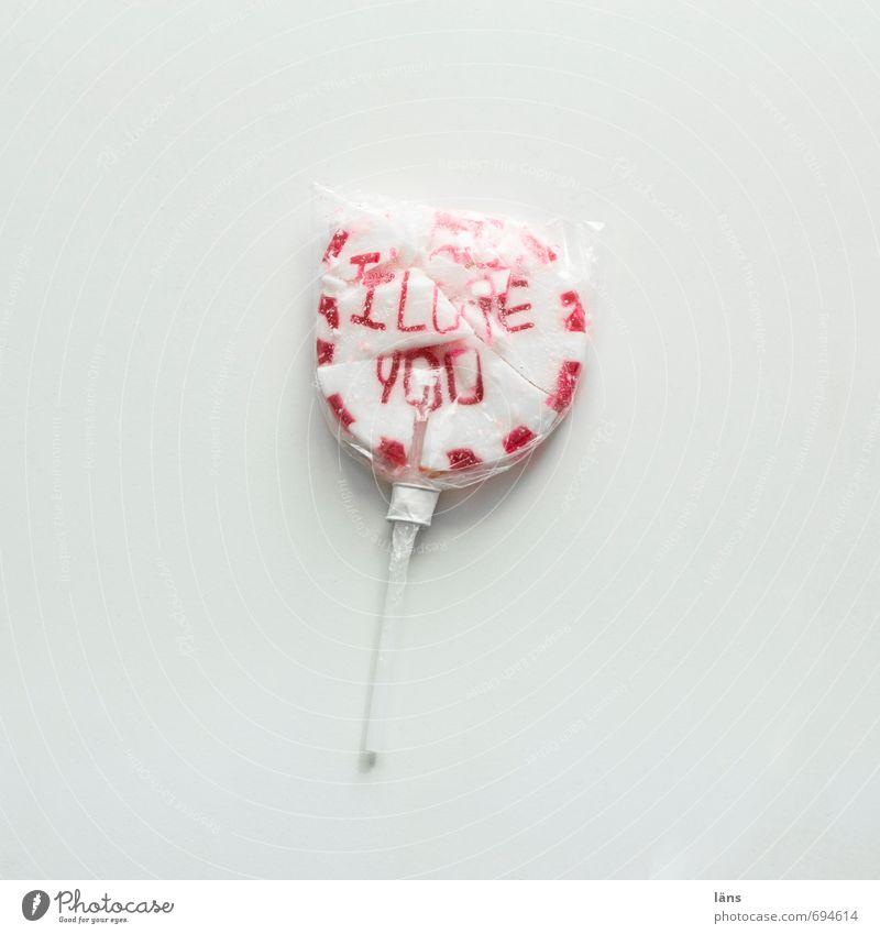 zerbrochen Lebensmittel Süßwaren Lollipop Schriftzeichen Traurigkeit rund süß rot weiß Gefühle Stimmung Liebe Liebeskummer Schmerz Enttäuschung Verzweiflung