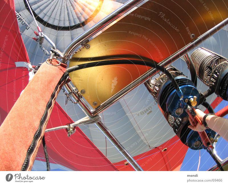 Heisse Luft Flugzeug Brand Luftverkehr heiß Ballone Flamme Gasbrenner