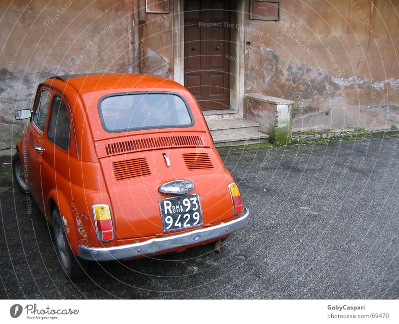 Roma 93 alt rot Gefühle PKW Italien Eingang kultig