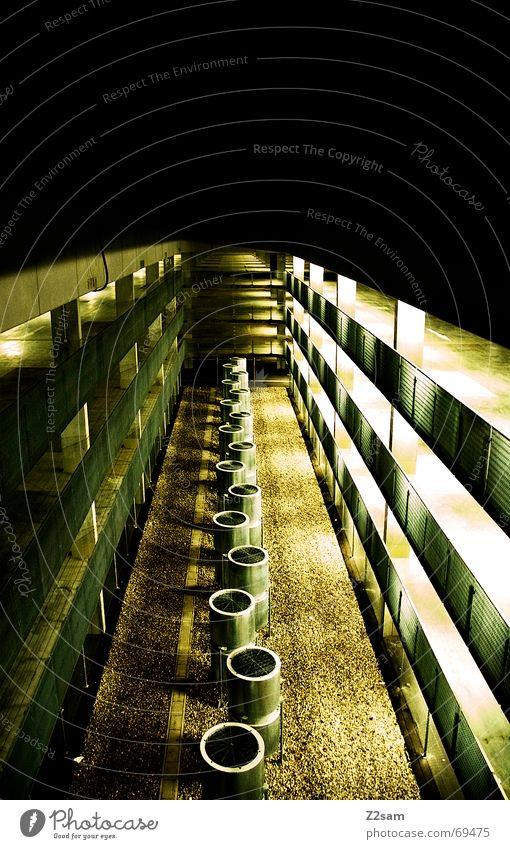 tons in the light Fass Licht Belichtung Langzeitbelichtung Garage Tiefgarage Perspektive