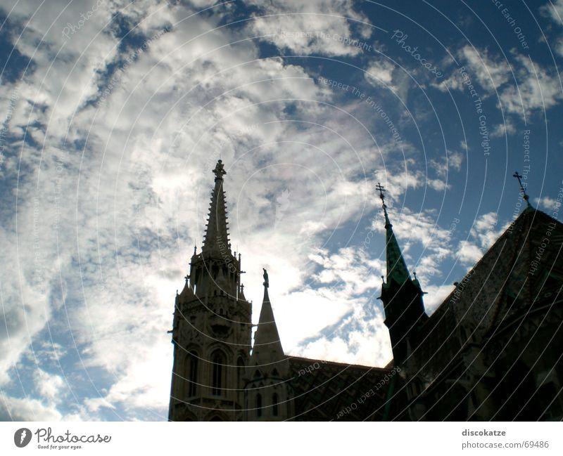 Stephan Basilika Himmel Sonne Wolken Gebäude Religion & Glaube Architektur Elektrizität Turm Spitze heilig Dom Gott Götter Kunstwerk Kuppeldach Gotteshäuser