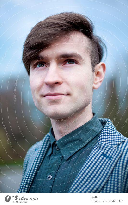 Mensch Jugendliche blau 18-30 Jahre Junger Mann Erwachsene Stil Haare & Frisuren Denken Mode träumen maskulin frei Erfolg Bekleidung Freundlichkeit