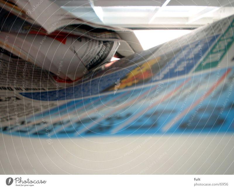 Zeitung Papier Freizeit & Hobby Information Briefkasten