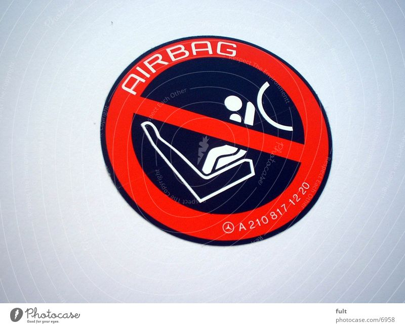 Airbag Etikett schwarz weiß rot Dinge Warnhinweis