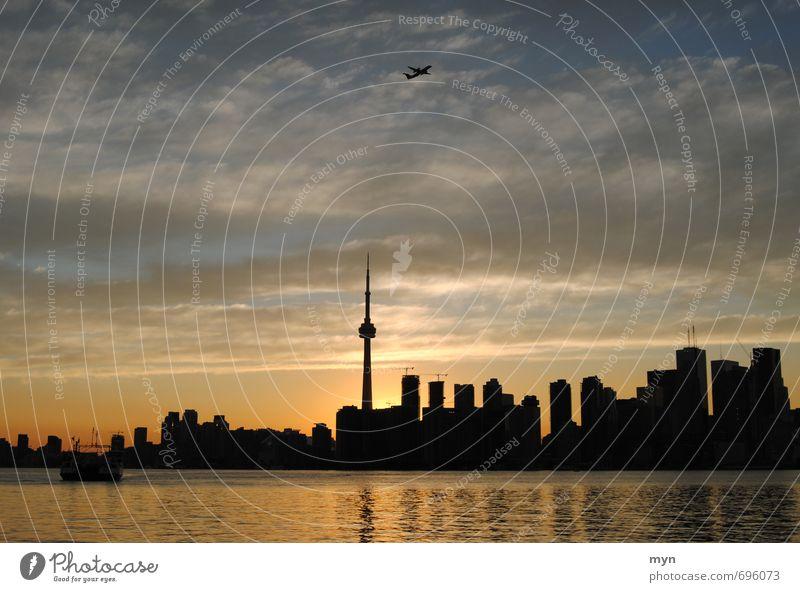 Toronto Skyline II Himmel Ferien & Urlaub & Reisen Stadt schön Sommer Sonne Wolken Haus Ferne fliegen Wellen Hochhaus Wachstum Tourismus Schönes Wetter Flugzeug