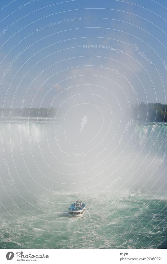 Niagara Fälle III Natur Wasser Wolkenloser Himmel Sommer Schönes Wetter Wasserfall fantastisch gigantisch Horseshoe Falls Kanada Stars and Stripes Ontario