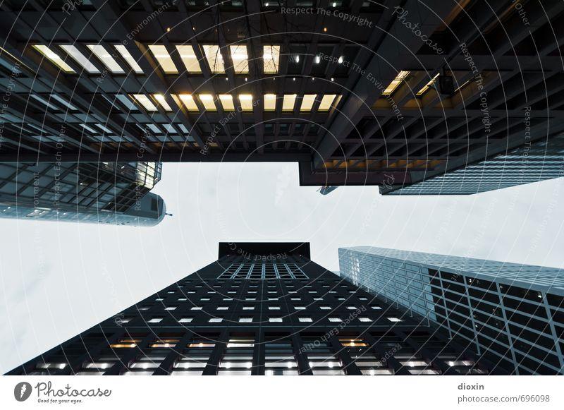 Hochmut Ferien & Urlaub & Reisen Tourismus Städtereise Frankfurt am Main Deutschland Europa Stadt Stadtzentrum Menschenleer Haus Hochhaus Bankgebäude Bauwerk