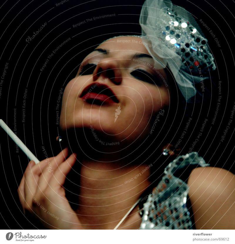 In Dreams Frau Lippen schön extravagant Porträt Nacht Sechziger Jahre Fünfziger Jahre Tänzer Auge