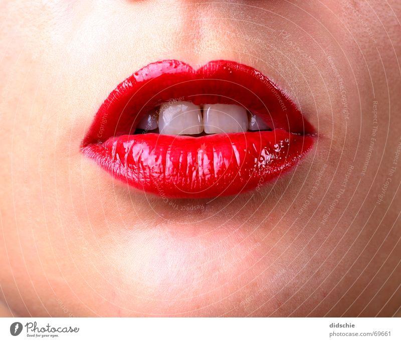 Glossy Red Lips Zähne Lippen lasziv