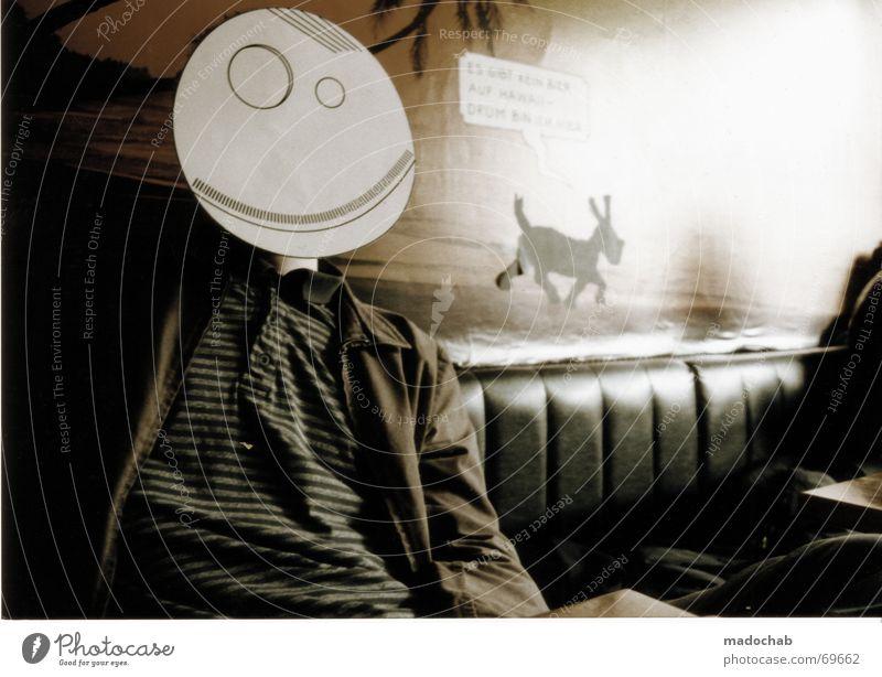 FRED FREUT SICH [ FAMILIE ] Frau Kind Mann Freude Mädchen Gesicht feminin Junge lachen Stimmung geschlossen Mutter Gastronomie Student Rauchen Maske