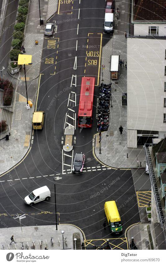 Kreuzung in London Vogelperspektive Doppeldecker-Bus Stadt Straße Mischung wenig verkehr
