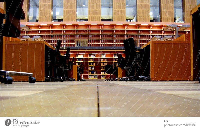 Lesesaal der SLUB Holz Bodenbelag Dresden Bibliothek Holzfußboden
