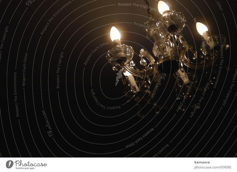 Kronleuchter Lampe Kunstlicht dunkel Glühbirne festlich archaisch schiefe lampe Feste & Feiern