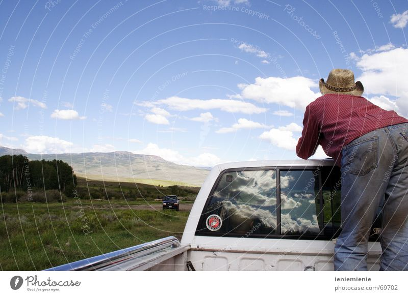 Road Trip Natur Ferien & Urlaub & Reisen Berge u. Gebirge Freiheit Wind Abenteuer USA Cowboy Pickup Colorado Anhalter Rocky Mountains Wilder Westen Ladefläche
