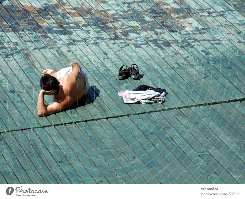 geniesser Mann Sommer Einsamkeit Erholung genießen Sonnenbad