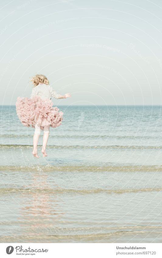 Spring Blossom Mensch Kind Natur Ferien & Urlaub & Reisen blau Sommer Meer Mädchen Freude Strand Leben Frühling Freiheit Glück hell springen