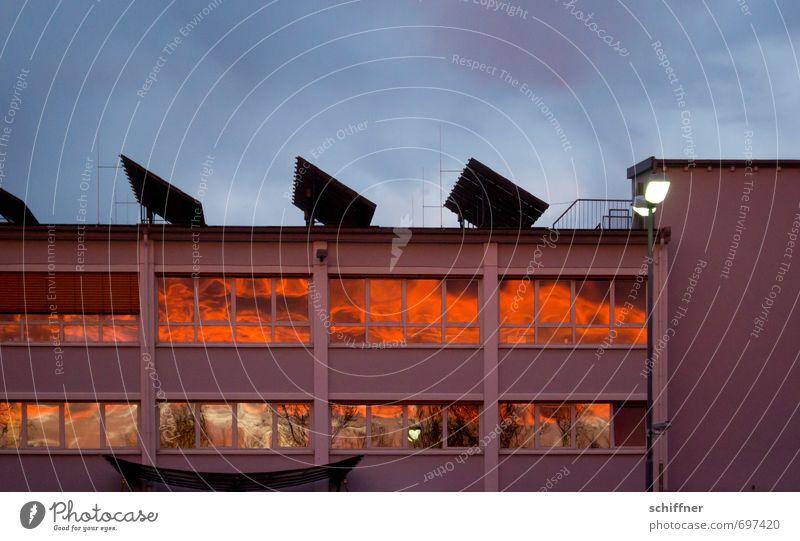 Energiewende | The Roof the Roof the Roof Wolken Gewitterwolken Sonnenaufgang Sonnenuntergang Klima Schönes Wetter schlechtes Wetter Haus Industrieanlage Fabrik
