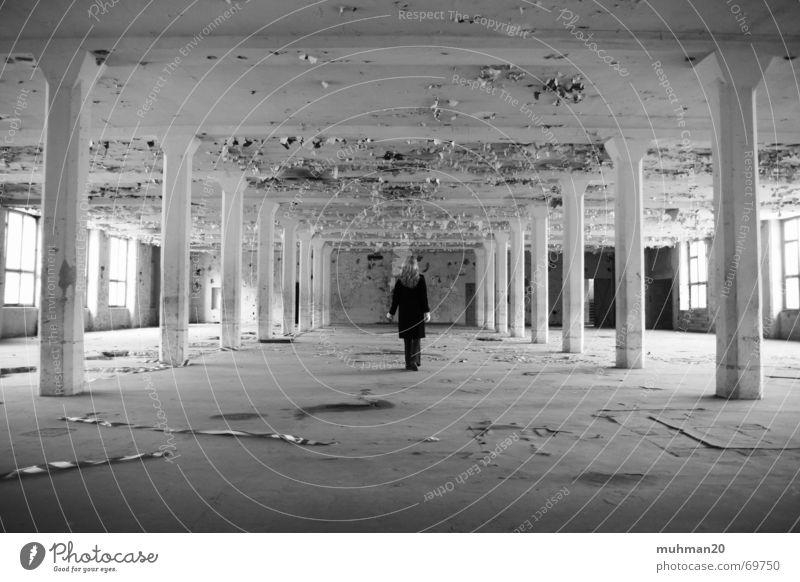 Alte Fabrikhalle Einsamkeit Fenster leer Fabrik Müll Lagerhalle Säule Putz Zerstörung Mittweida Landkreis Mittweida Ringethal