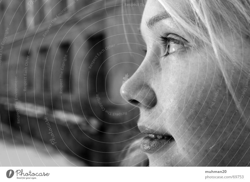 Blick ins Nirgendwo Winter Gesicht lachen blond Fabrik Landkreis Mittweida Ringethal
