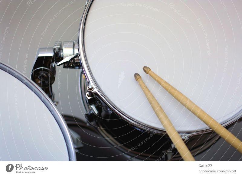 Beat it Schlagzeug Tom Tom Takt Rhythmus schlagen Fell Trommel Metall Nervosität sticks