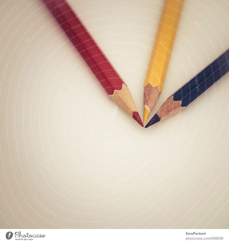 RYB Schreibtisch Schule Arbeitsplatz Büro Linie ästhetisch Fröhlichkeit schön blau gelb rot Zusammensein Schreibstift Farbstift Holz Farbe mehrfarbig Spitze