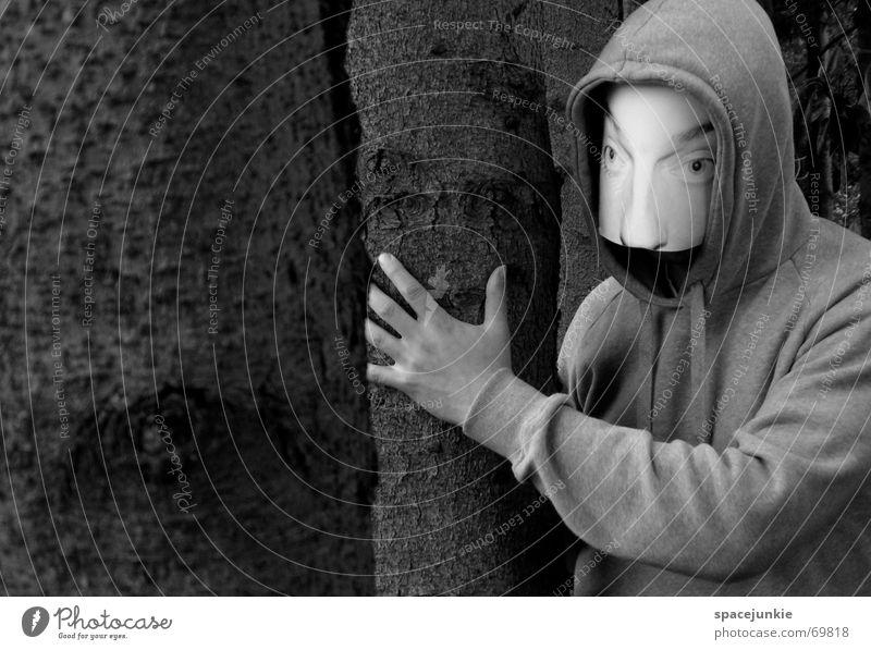 the man behind the mask Mann bedrohlich unheimlich Wald Baum Hinterhalt Maske Mensch Gesicht verstecken Versteck hinten