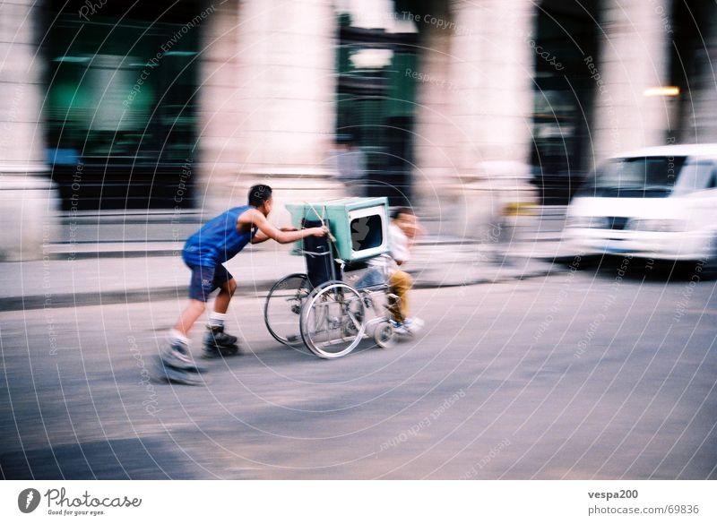 wheelchair-race Freude Straße Freundschaft Geschwindigkeit Güterverkehr & Logistik Asphalt rennen Kuba Inline Skating Rollstuhl