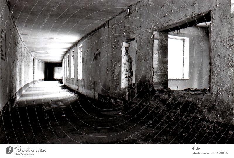 WKH- Gang Spaziergang verfallen Fenster Tunnel lang alt bad düben