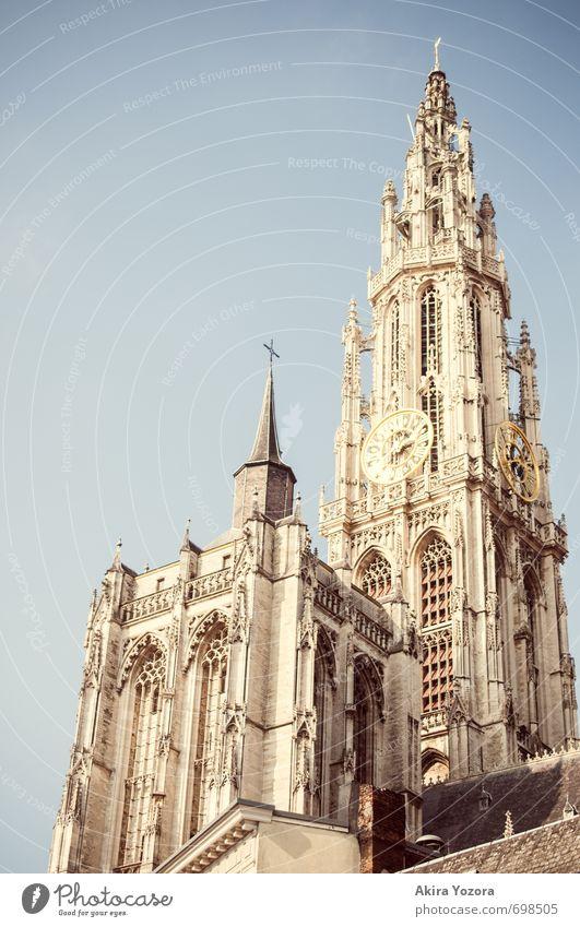 Liebfrauenkathedrale Stadt Hafenstadt Stadtzentrum Altstadt Kirche Dom Bauwerk Architektur Sehenswürdigkeit Bekanntheit blau gelb grau Romantik Hoffnung Glaube