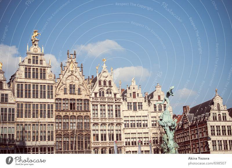 Antwerpen Architektur Belgien Stadt Hafenstadt Stadtzentrum Altstadt Haus Marktplatz Gebäude Fassade Sehenswürdigkeit berühren Ferien & Urlaub & Reisen blau