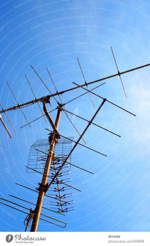 what's the frequency, kenneth? Antenne Sender Fernsehen Begrüßung Himmel Verbindung Kontakt
