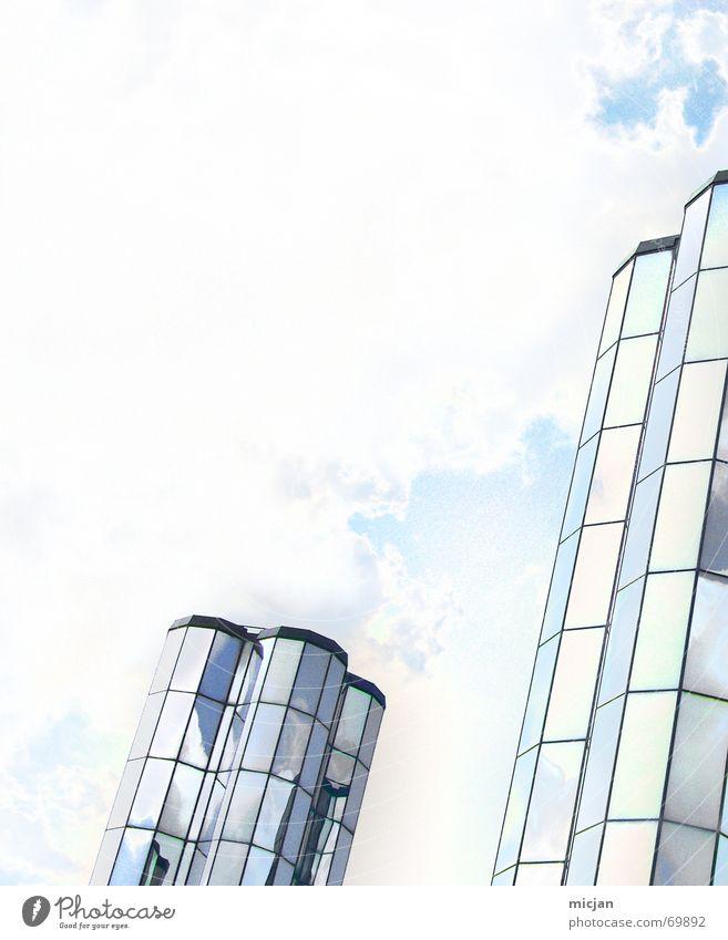 Aussen Spiegel, Innen Bier Himmel weiß blau Wolken Fenster Gebäude hell 2 Hochhaus hoch paarweise Fabrik Dach Turm Spiegel
