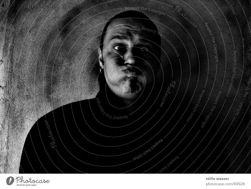 DICKE BACKEN Kurzhaarschnitt Wange Porträt Bart dumm Gesicht Freude schön Mann aus der wäsche Mund Nase Ohr Ohrringe lustig Spitze Schwarzweißfoto